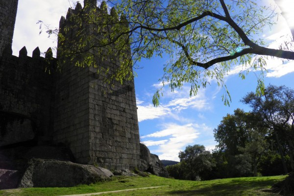 Guimaraes City Castle by Essencia da Latitude