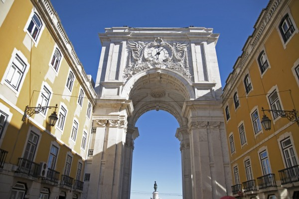 Lisbon, Arch by Essencia da Latitude