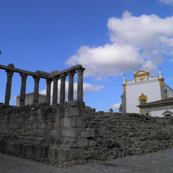 Évora-Roman-Temple by Essencia da Latitude